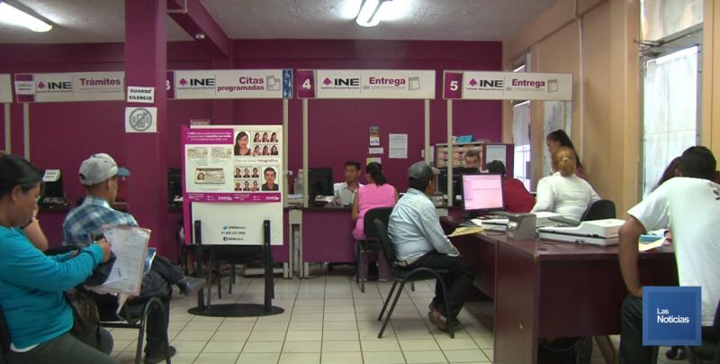 El INE da atención prioritaria a grupos vulnerables en el trámite de la credencial