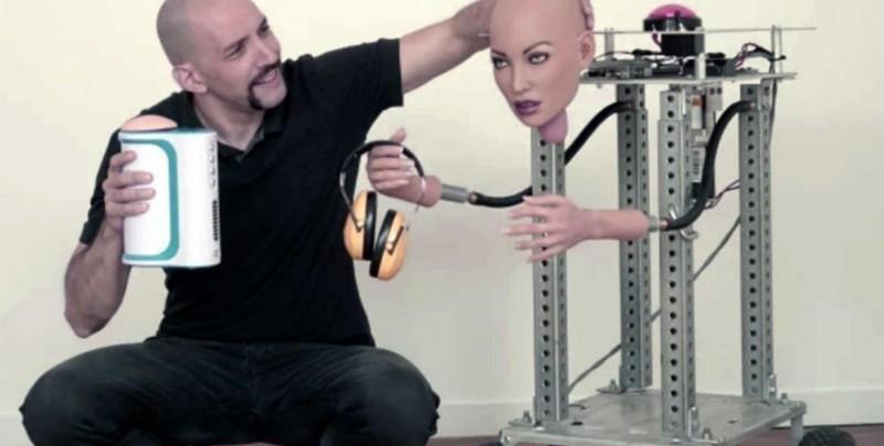 Inventan robot que promete un sexo oral perfecto