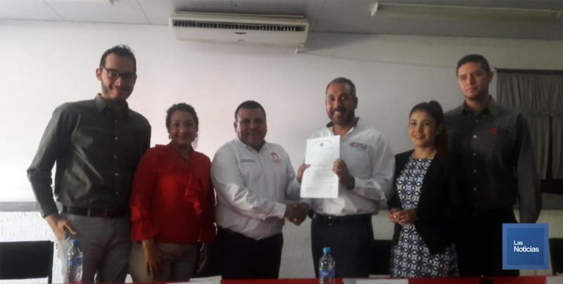 En Álamos, ITESCA recibe escrituras del terreno que alberga la Universidad