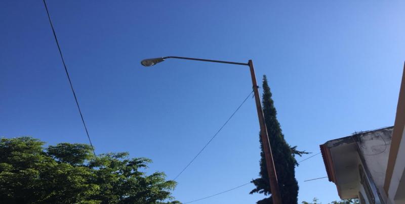 Dos lámparas sin funcionar tras la Depresión 19-E