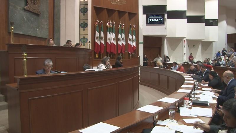 No interpondrán denuncias penales por la toma de tribuna