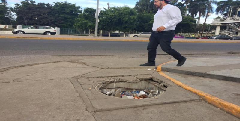 Sigue sin tapadera registro de la CFE en la Emiliano Zapata