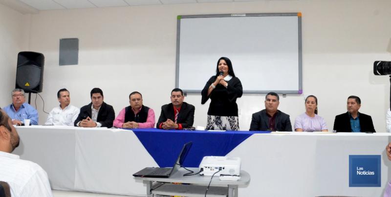 En Navojoa, llevan conferencias a policías