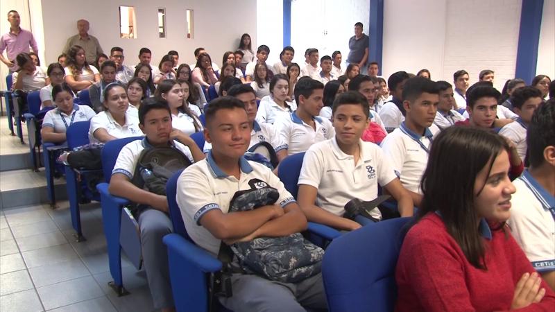 """Becas """"Benito Juárez"""" para alumnos de educación media"""