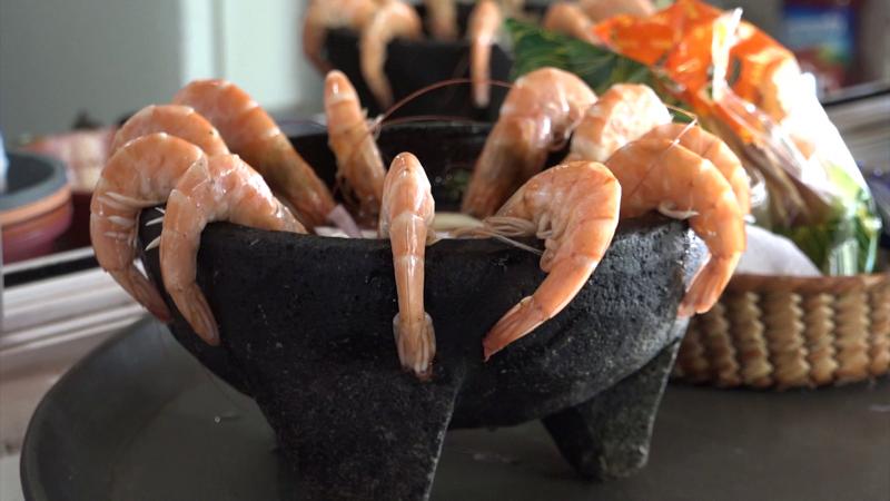 Turistas de cruceros disfrutan de la gastronomía sinaloense