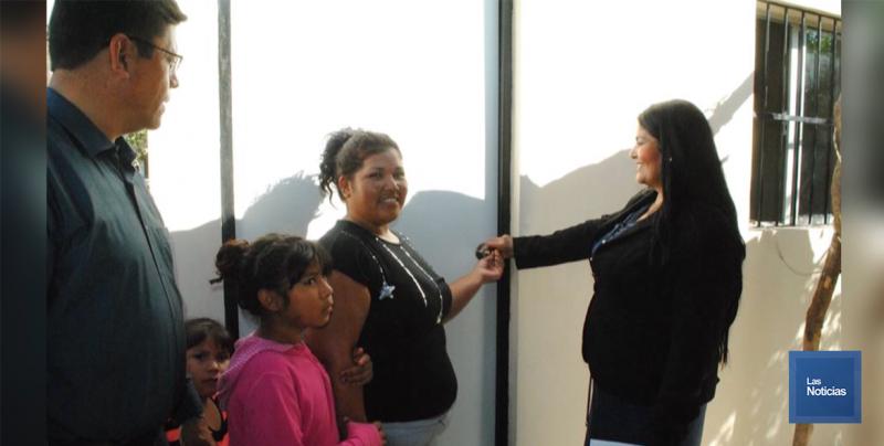 En Navojoa, Alcaldesa entrega cuartos dormitorios a vecinas de la Comisaría Rosales