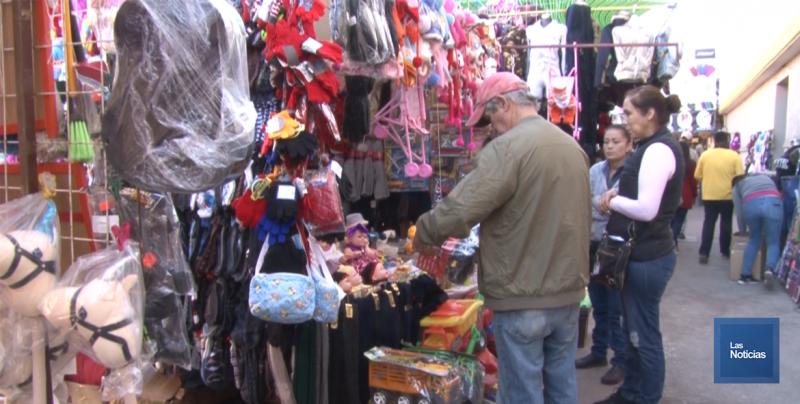 En Cajeme, comerciantes se instalan desde temprana hora
