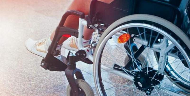 Joven discapacitado pide de regalo navidad visa para que madre regrese a EU
