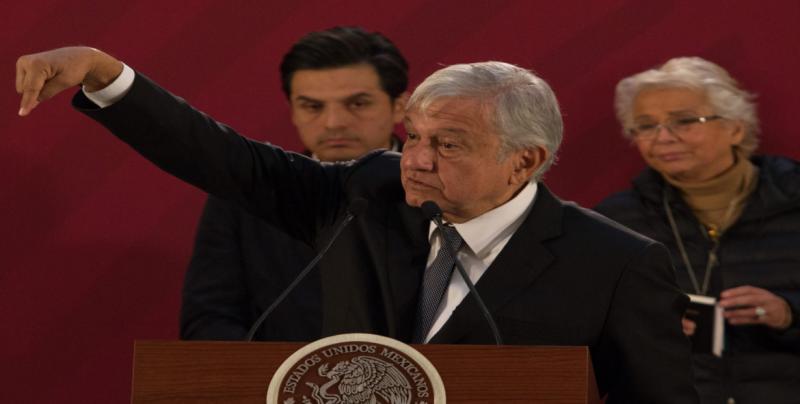 """Denuncia AMLO ambiente """"mezquino"""" luego de tragedia en Puebla"""