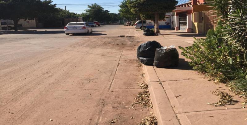 Piden servicio de recolección de basura en Santa Elena