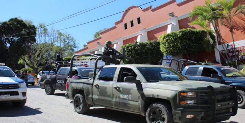 Fuerzas federales vigilan ductos de PEMEX en Guanajuato