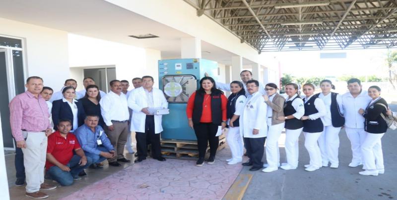 8 mdp entregan en equipomédico para hospitales
