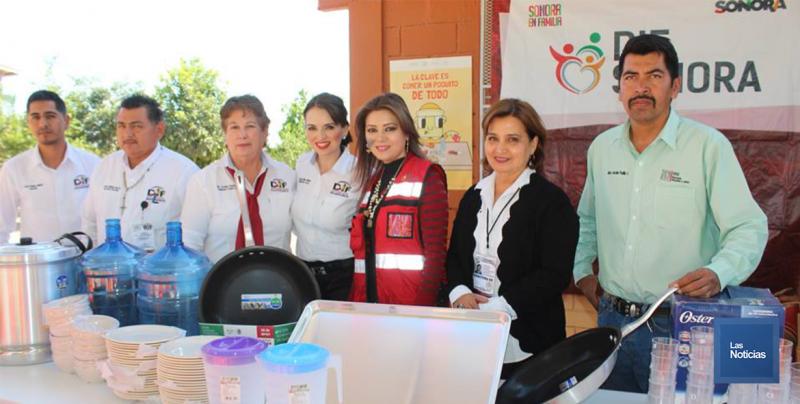En Etchojoa, el DIF entrega equipo de cocina a comedor de primaria