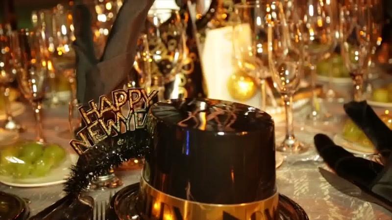 Mazatlecos preparados para la cena de Año Nuevo