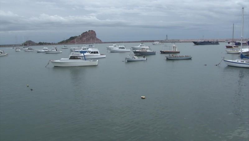 Molestos prestadores de servicios turísticos por cierre del puerto a la navegación unas horas