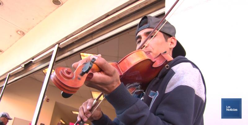 Deleita con música de violín el centro de Ciudad Obregón