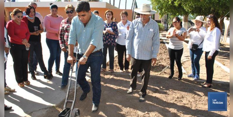 En Etchojoa, DIF entrega 32 huertos de traspatio