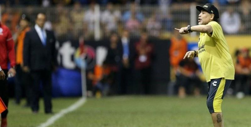 Maradona renueva su contrato con los Dorados, pero estará ausente mañana