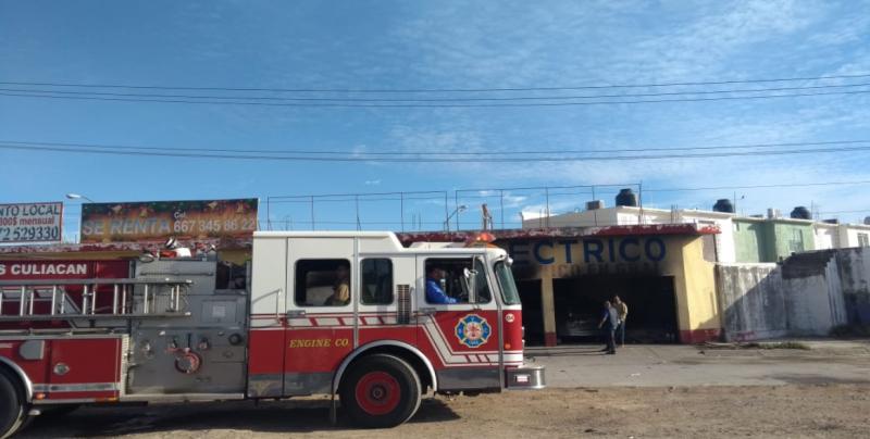 Se incendia taller auto eléctrico