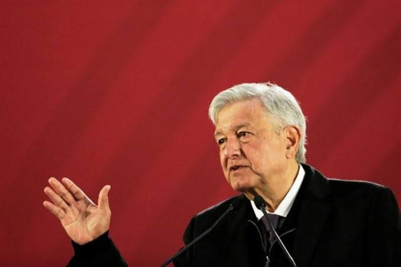 Subida de salario mínimo en México motivó alza en España, dice López Obrador