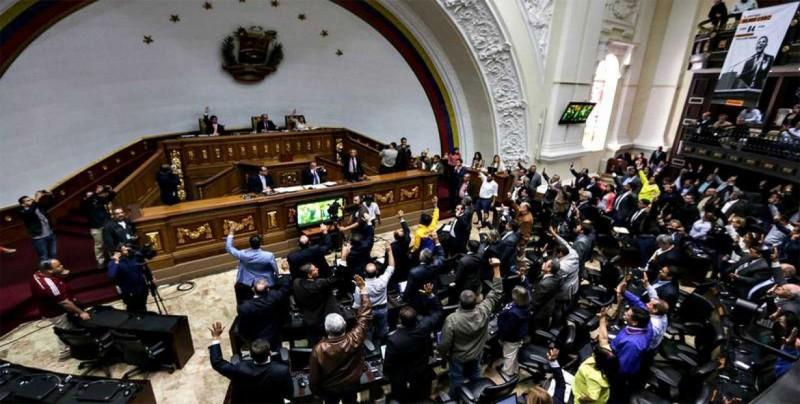 EEUU dice que el Parlamento es la única institución legítima en Venezuela