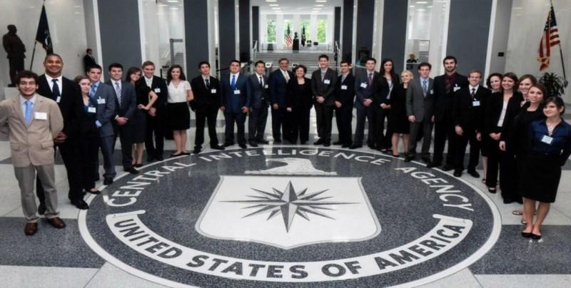 Ginal Haspel deja en manos de mujeres direcciones clave de la CIA
