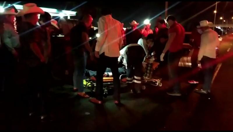 Muere ganadero tras ser atropellado sobre la carretera México 15