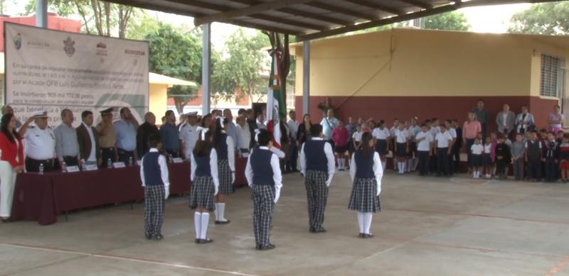 "Se reanuda tradicional ""Lunes Cívico"""
