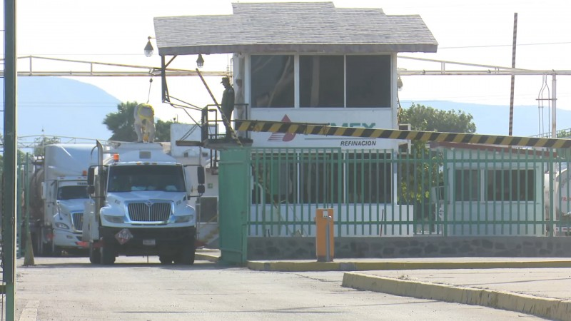 """""""No hay desabasto de gasolina en Los Mochis"""": Gasolineros"""