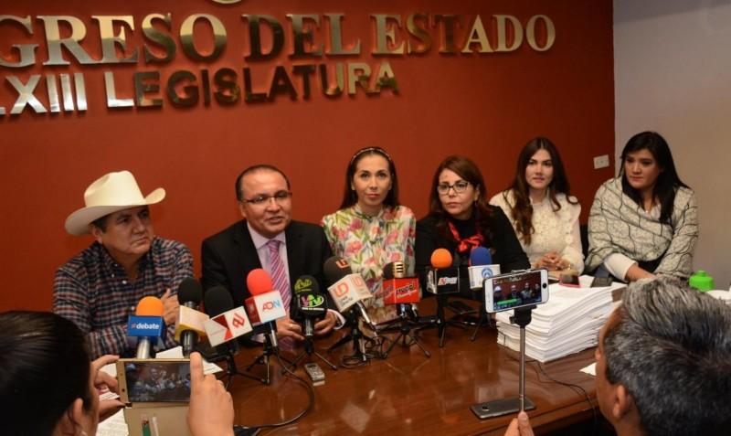 Acusa Sergio Jacobo de total incompetencia de Morena para conducir el Congreso