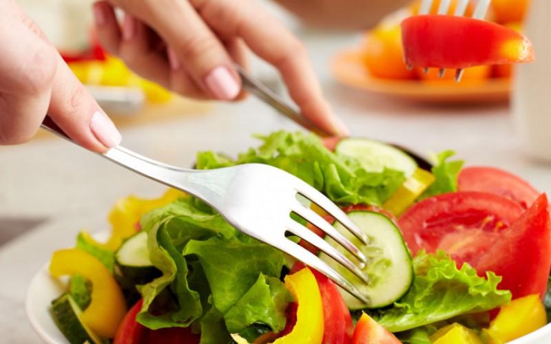 Se alimentan sanamente para desintoxicar el organismo