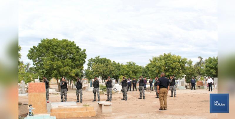 En Huatabampo, celebran día del Policía