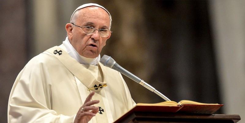 El papa recibirá a obispos chilenos para hablar de medidas contra los abusos