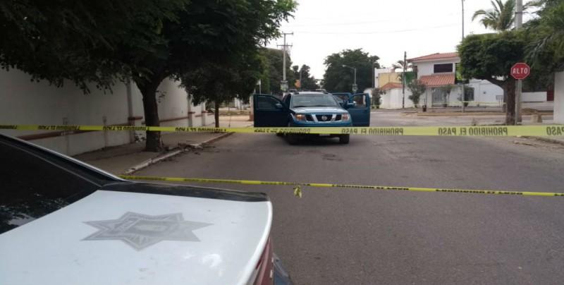 Dos asaltantes heridos de bala en enfrentamiento con Policías