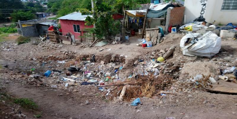 Calle Malinche en pésimas condiciones
