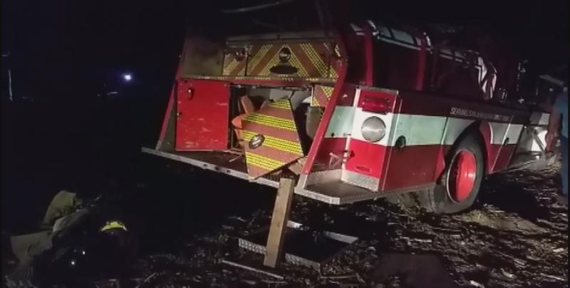 Sin seguro el camión de Bomberos accidentado