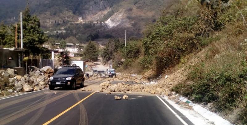 Sismo en Chiapas provoca derrumbes en Guatemala