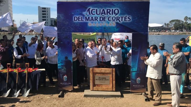 Colocan primera piedra de Acuario del Mar de Cortés