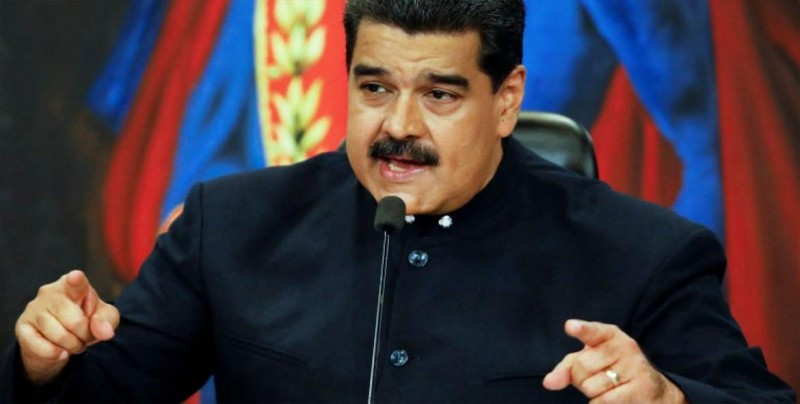 Maduro jura defender a Venezuela como lo hizo Guaidó
