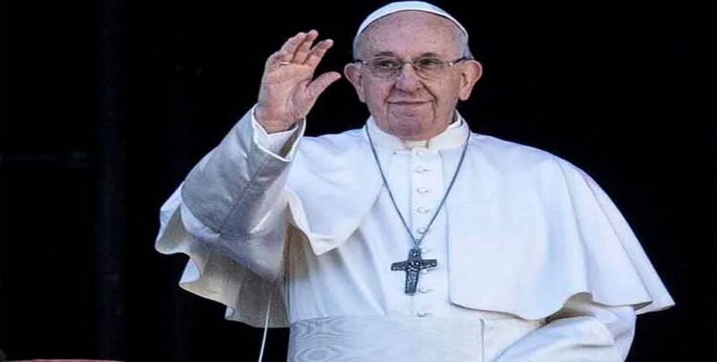 Papa se dirige a los cristianos del golfo Pérsico en una misa multitudinaria