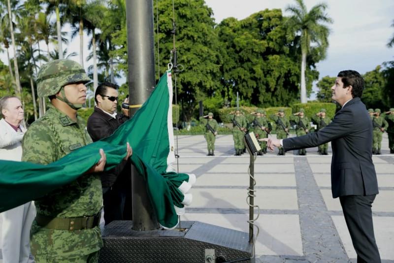 Conmemoran el 102 aniversario de la Constitución