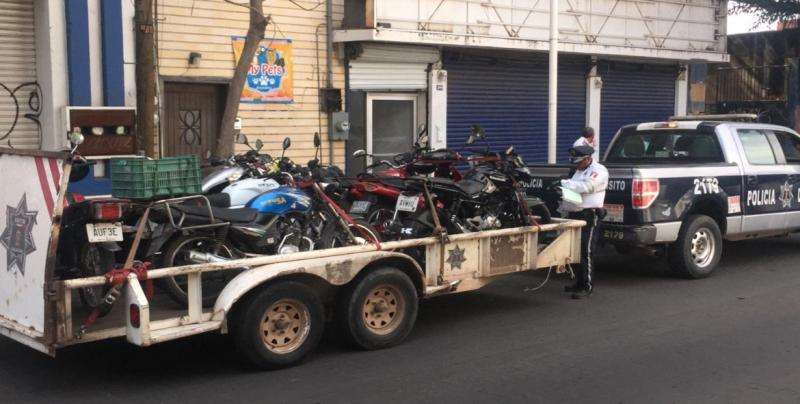 13 vehículos fueron remolcados por estacionarse en lugares prohibidos