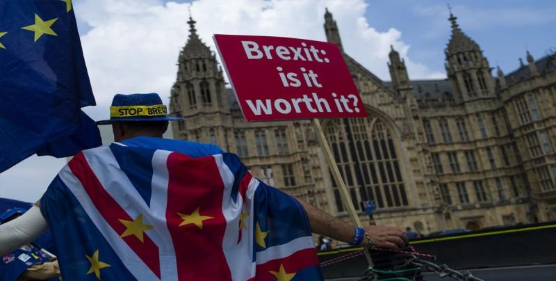 """El Gobierno británico estudia retrasar ocho semanas el """"brexit"""", según diario"""