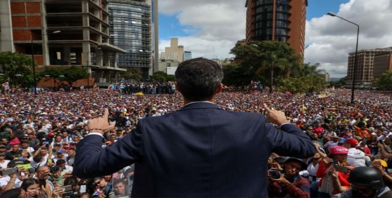 Rusia denuncia que EEUU prepara un violento cambio de régimen en Venezuela