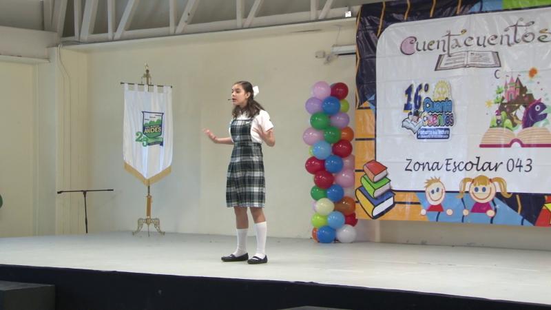 Niños de primaria participan en concurso de cuenta cuentos