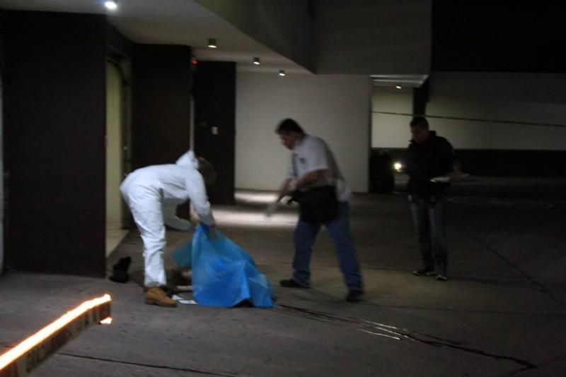 Mujer es asesinada al interior de un motel
