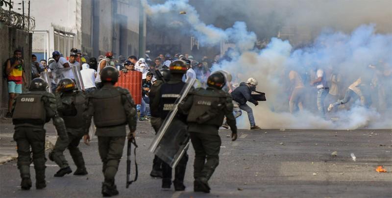 Prensa cubana defiende labor en Venezuela frente a acusaciones de injerencia
