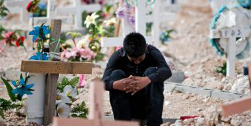 México crea plan de atención y reparación a víctimas de violencia del pasado