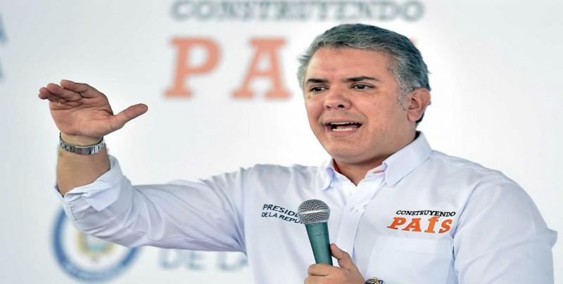"""Duque advierte a Maduro que bloqueo de ayuda es """"crimen contra la humanidad"""""""