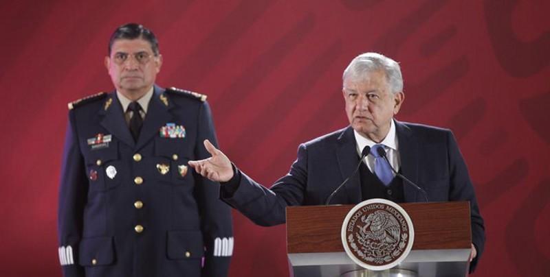 """López Obrador asume el """"desafío"""" de limpiar de corrupción a la estatal Pemex"""